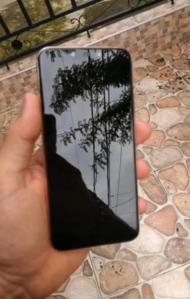 Vendo O Cambio Huawei Mate 20 Lite con 4