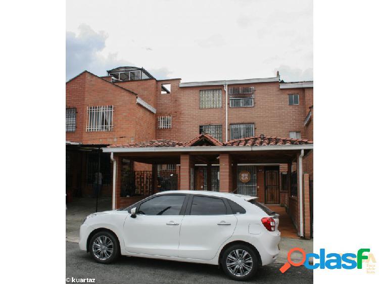 Casa 148mts en buen estado en Portal de Flores