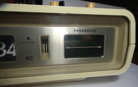 Radio reloj antiguo Panasonic Napbar