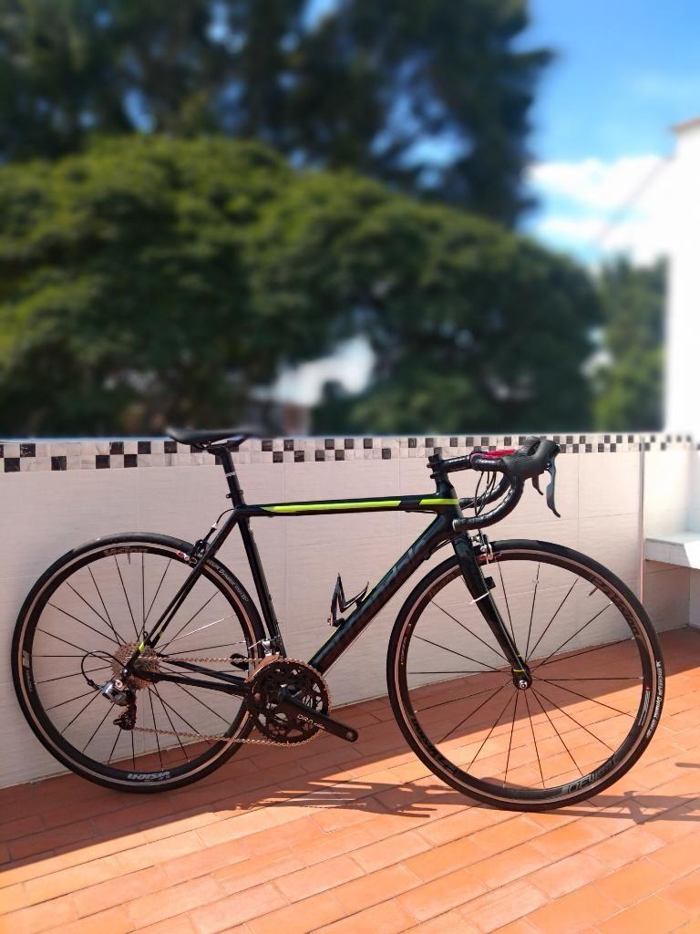 Bicicleta de Ruta Cannondale en Carbono