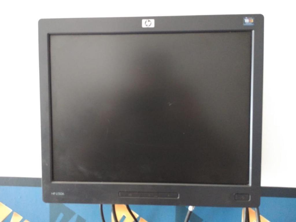 vendo 3 monitores de 15 pulgadas hp L