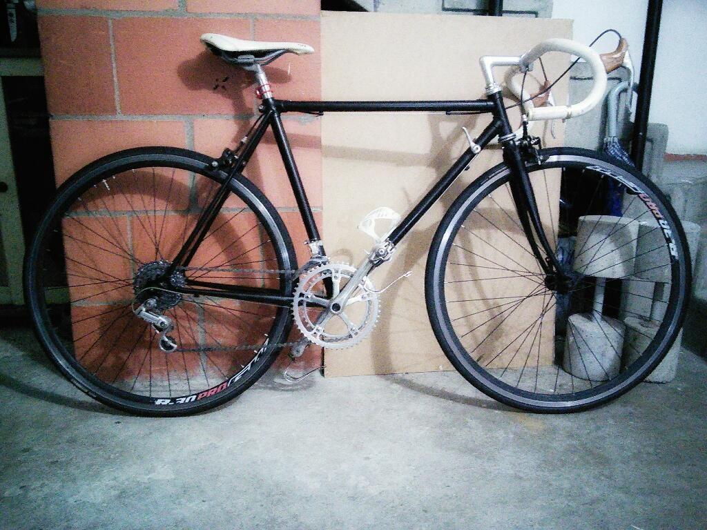 Bicicleta de Ruta Tipo Clasica