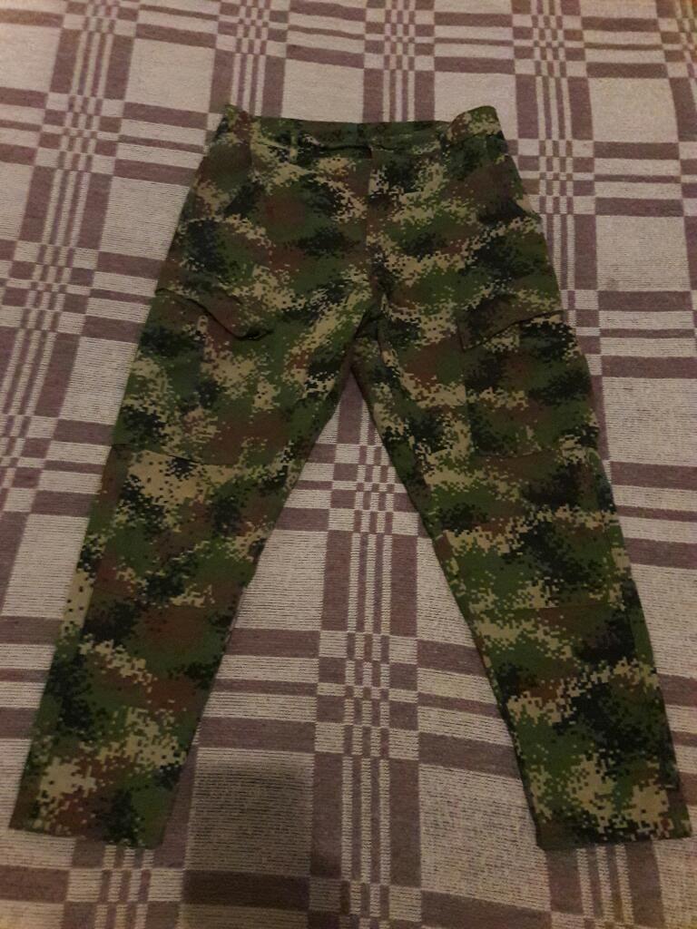 Vendo Pantalon Camuflado Del Ejercito