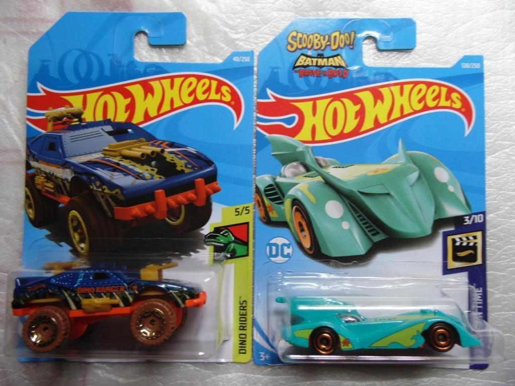 2 carros hot wheels - Batmobile - sting Rog
