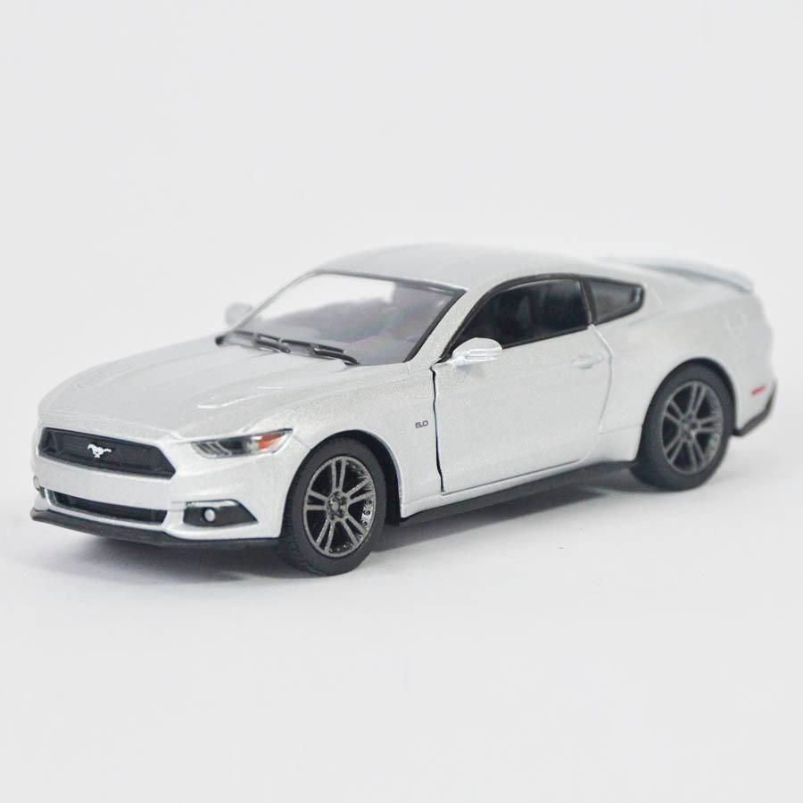 Ford Mustang  Gt Plata - Escala 1:38 Ref 608