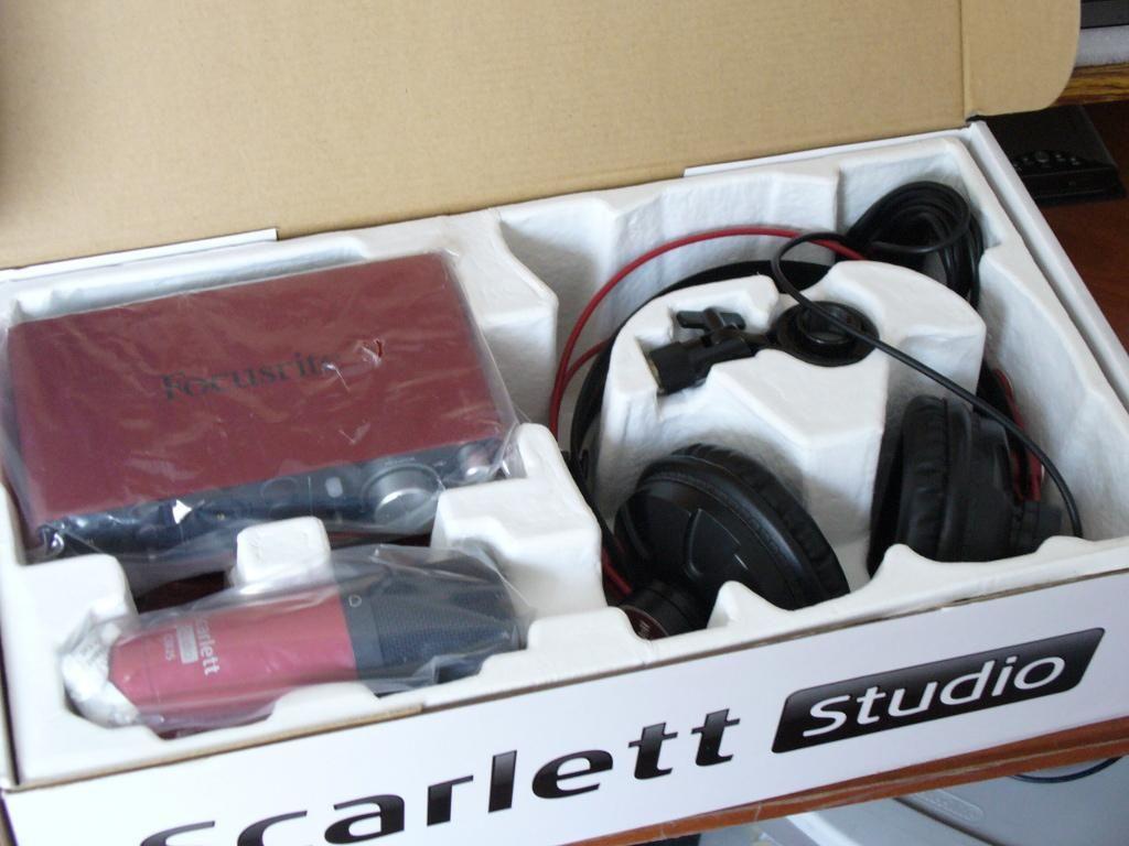 Focusrite Scarlett 2i2 Studio set completo para producción