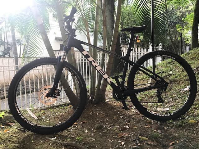 Bicicleta TREK  - Marlin 5 - Rin 29 x 2,2 - Dos meses de