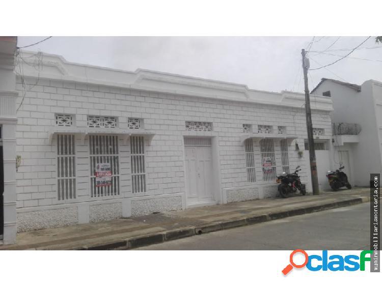 ARRIENDA CASA PARA USO COMERCIAL EN EL CENTRO