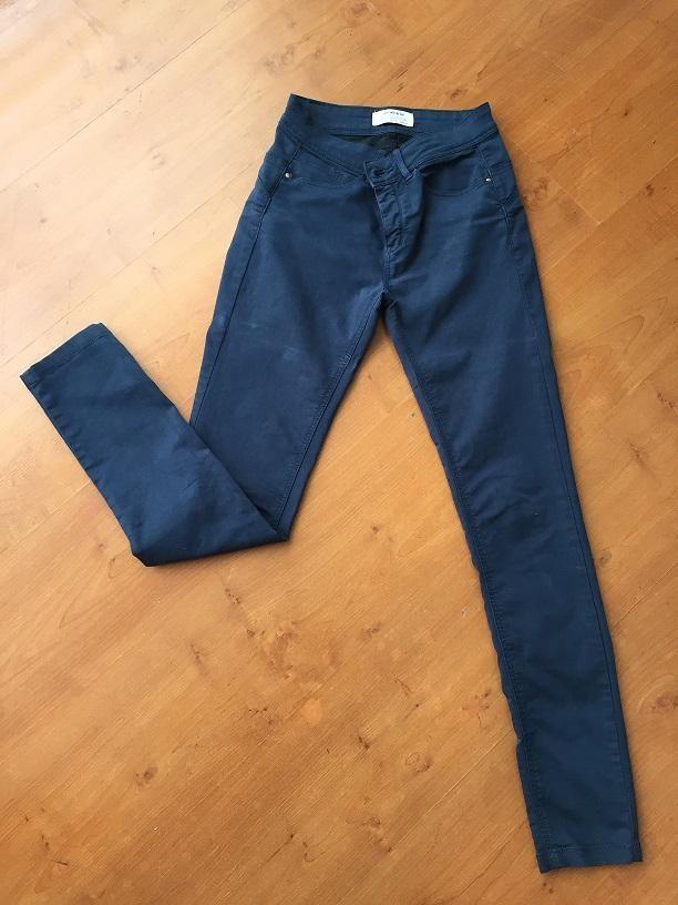 Pantalón Bershka talla 34 mujer color azul