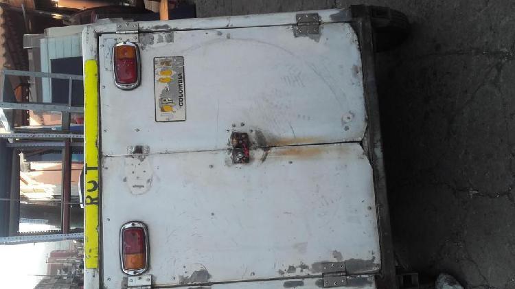 Se vende trailer en fibra de vidrio