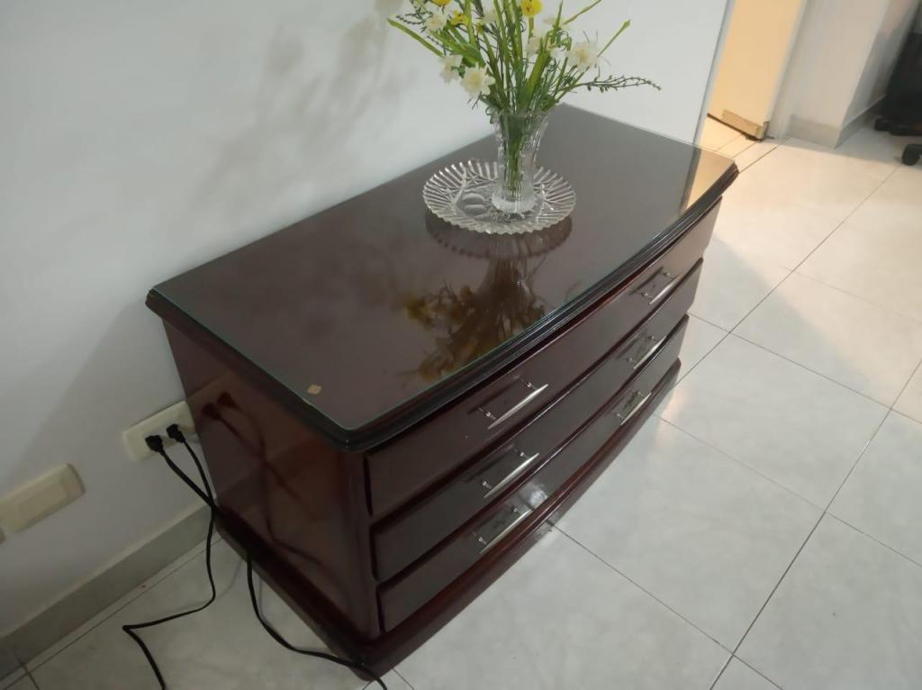 Mueble para comedor o sala con gavetas