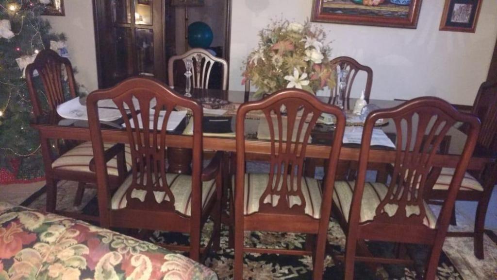 Muebles Madera Sala, Comedor y Alcoba Tapetes varios