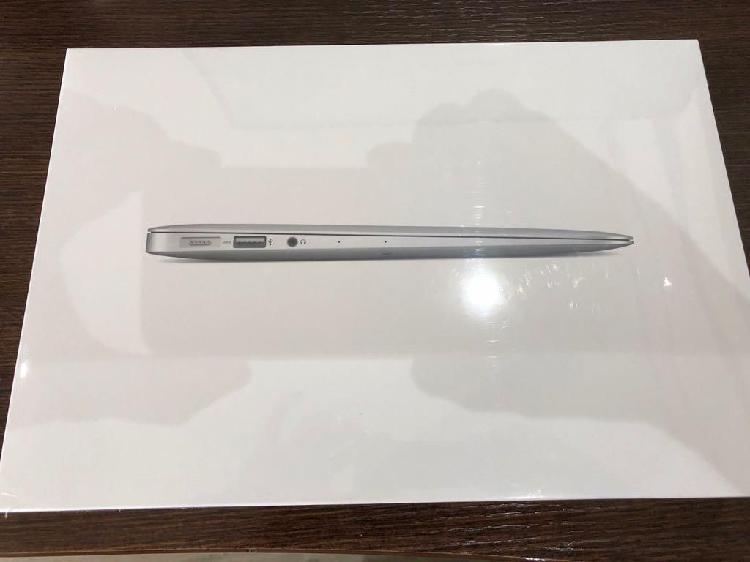 Apple MacBook Air 11.6 Core i5 1,6GHZ 128GB 4GB