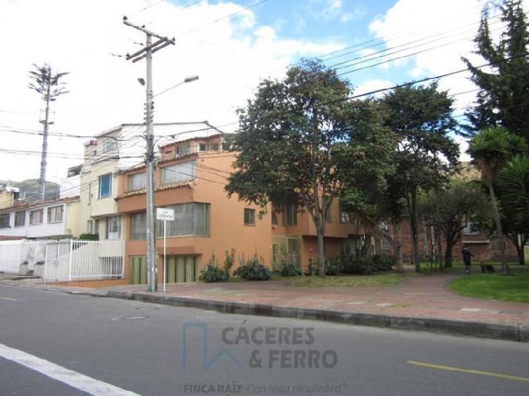 Casa En Arriendo En Bogota Cedritos-Usaquén Cod. ABCYF20879