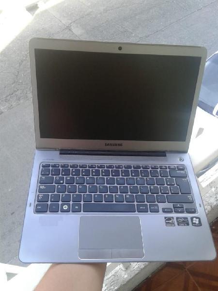 Samsung Ultra Delgado Core I5