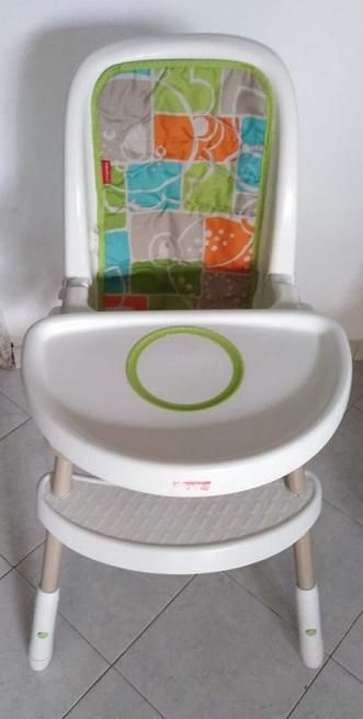 Silla comedor Fisher Price.En excelente estado