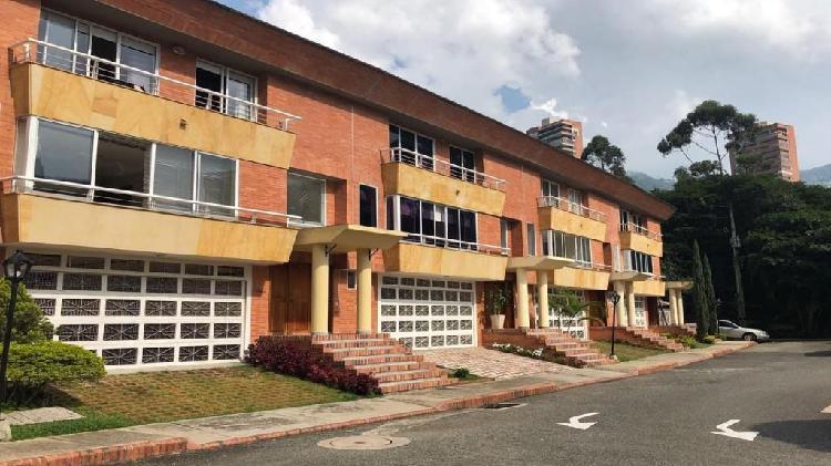 Vende Casa Transversal Superior El Poblado