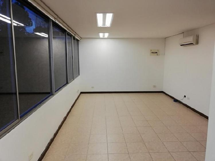 Oficina En Arriendo En Medellin El Poblado Cod. ABMAT10655