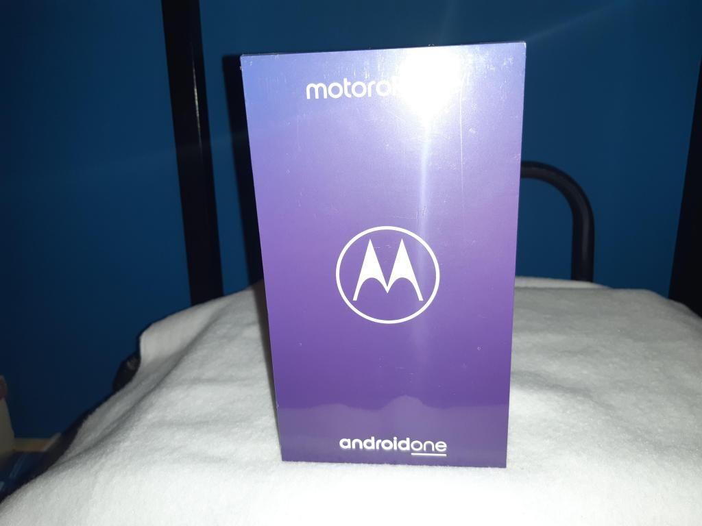 Vendo Motorola Moto One Nuevo en Caja.