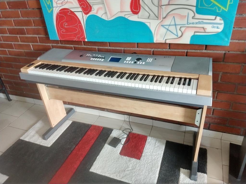 vendo piano yamaha barato bogot posot class. Black Bedroom Furniture Sets. Home Design Ideas
