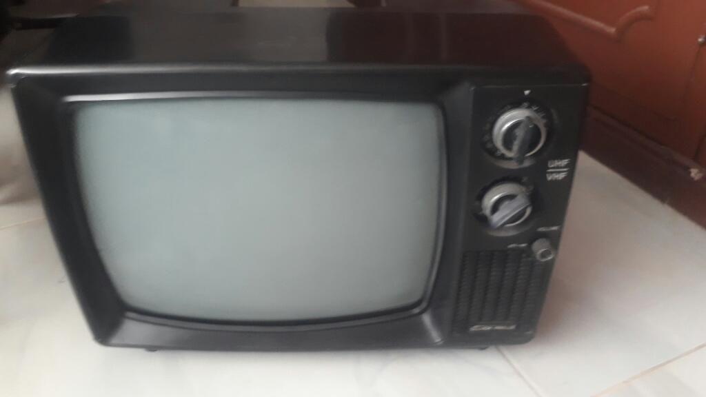 Televisor Antiguo Pequeño