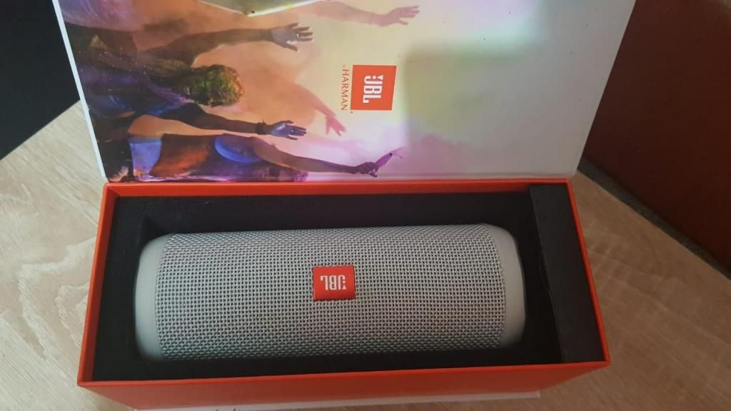 Parlante Portable Jbl Flip4 Sumergible Bluetooth Negro