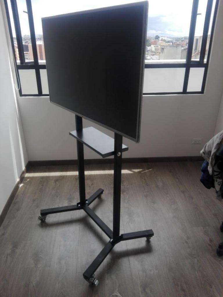 soporte de piso con ruedas para TV