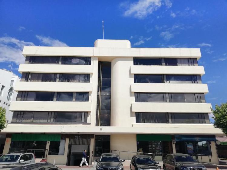 Oficina En Arriendo En Bogota Santa Bárbara Cod.