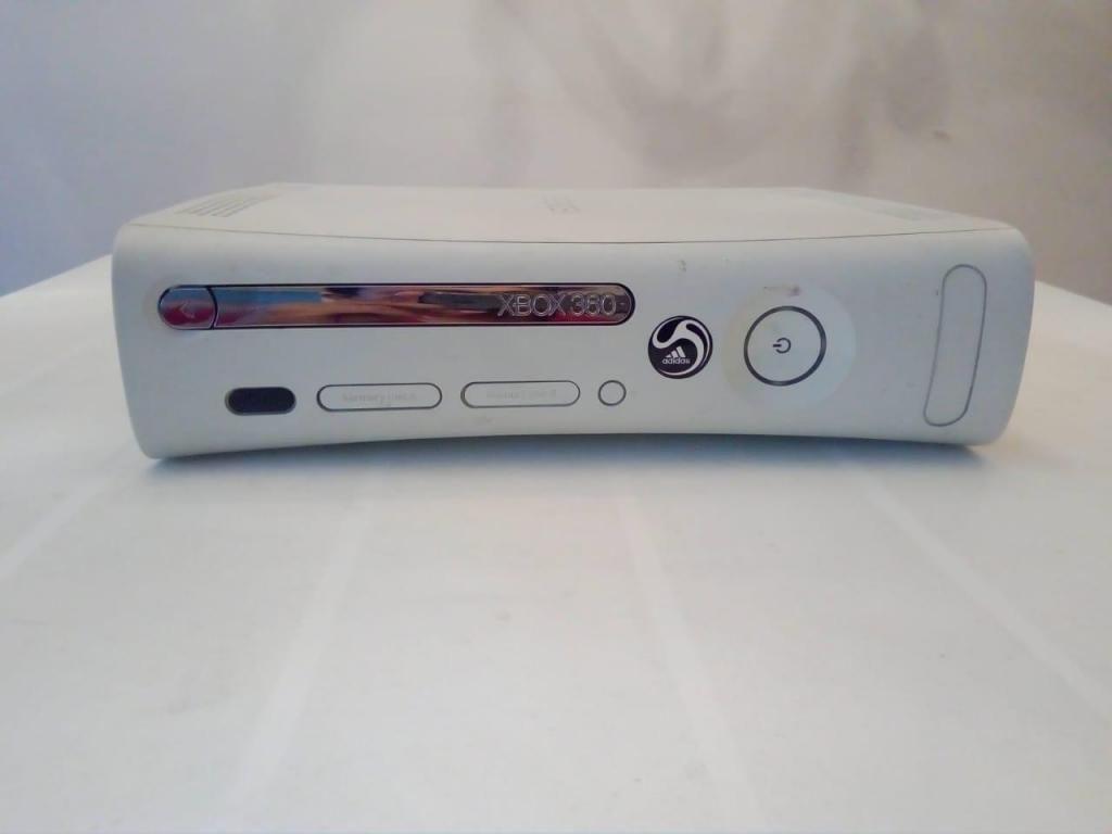Vendo Consola de Xbox 360 en 250 Mil