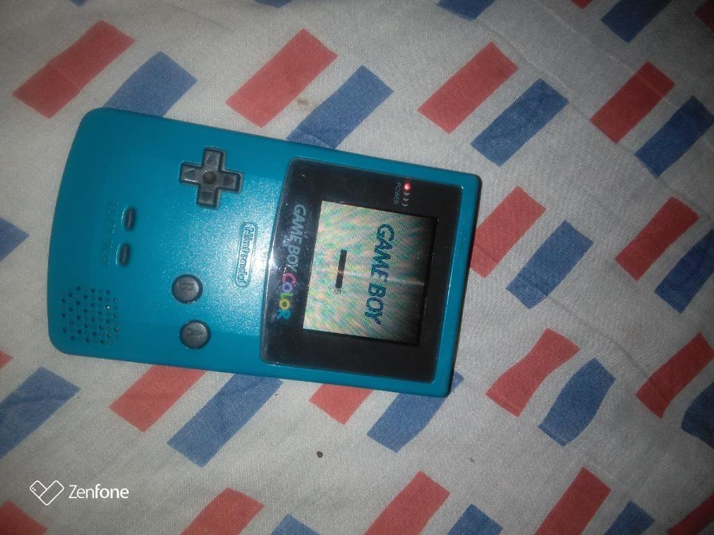 Vendo Game Boy a Color