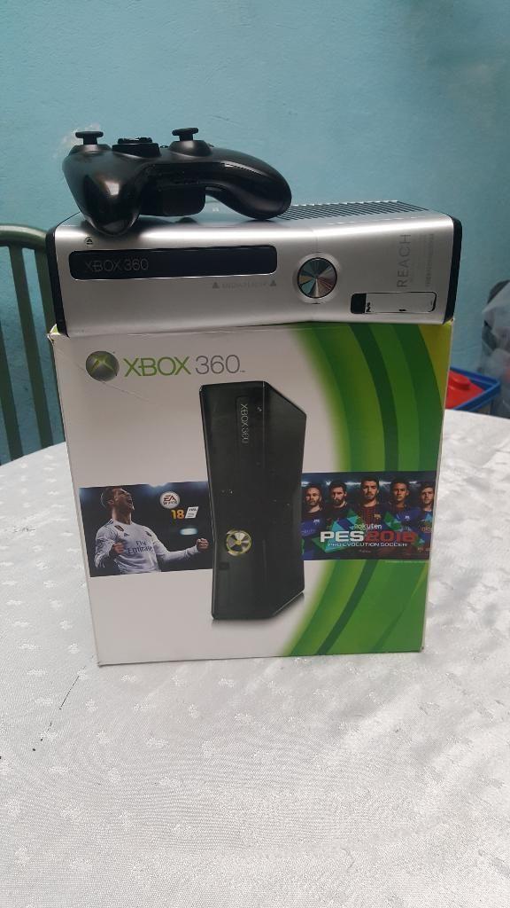Vendo O Cambio Consola de Xbox 360 Slim