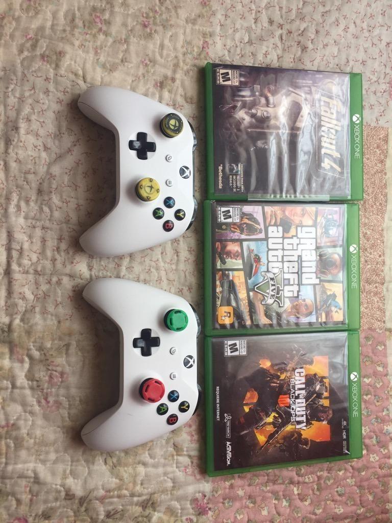 Xbox One S se vende o se cambia por ps4