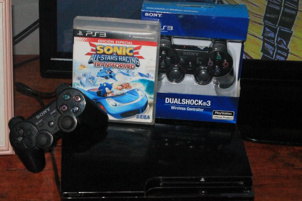 PLAY STATION 3 2 CONTROLES 160GB JUEGOS DISCO DURO