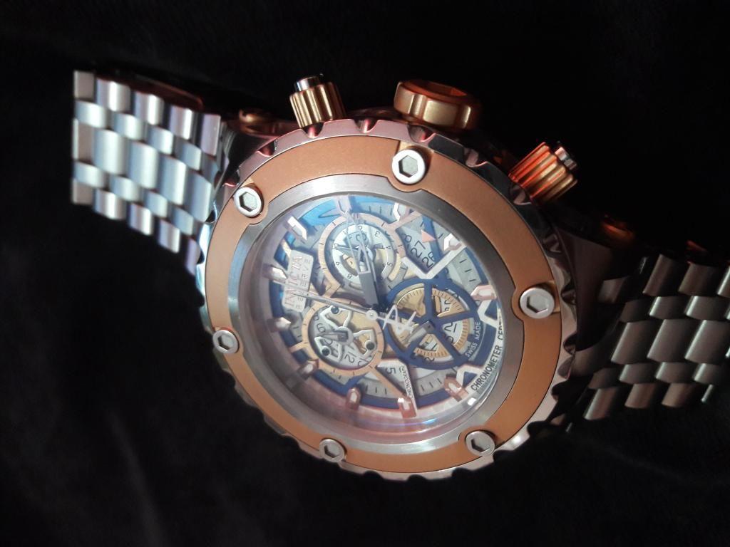 Reloj invicta Reserve  oro rosa