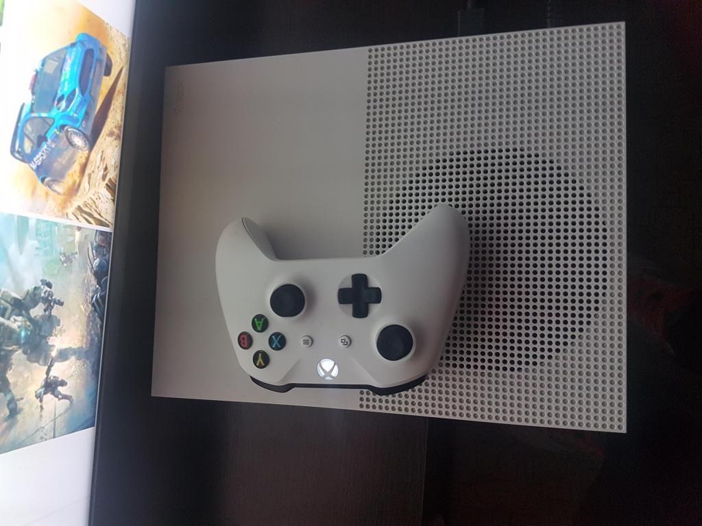 XBOX ONE S 1 Tera con Muchos Juegos