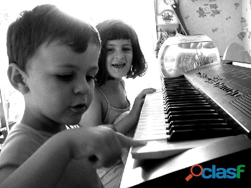 Clases de guitarra y piano para niños 2019