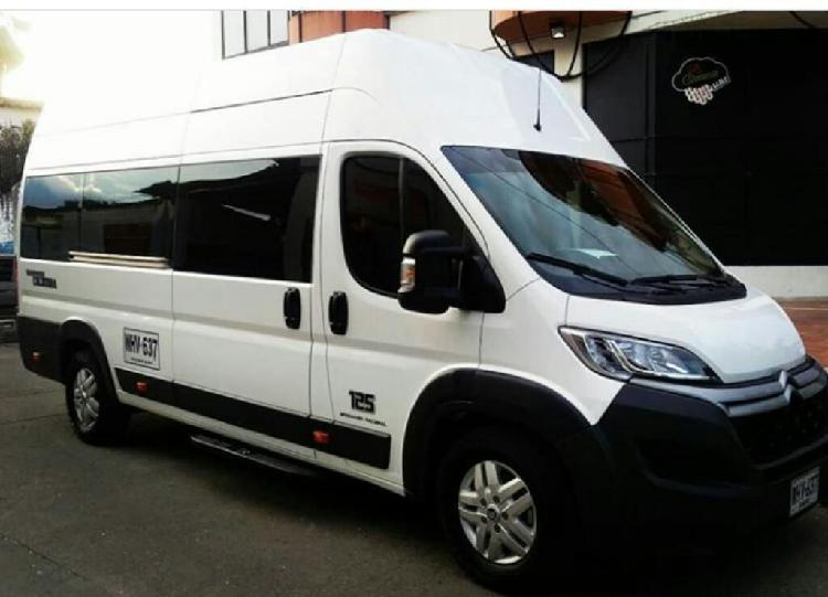 Servicio de Transporte Buses Camionetas