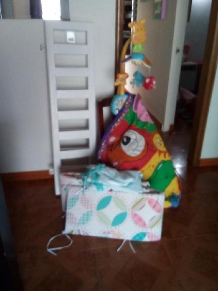 Vendo Barandas para Cama de Bebe