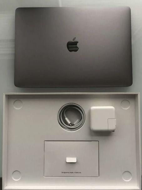 Apple Macbook Air gb, Intel Core I5 8th Gen)