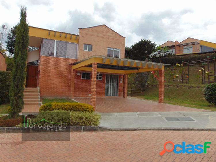 Casa en venta El Retiro - Unidad Cerrada sector La Maria
