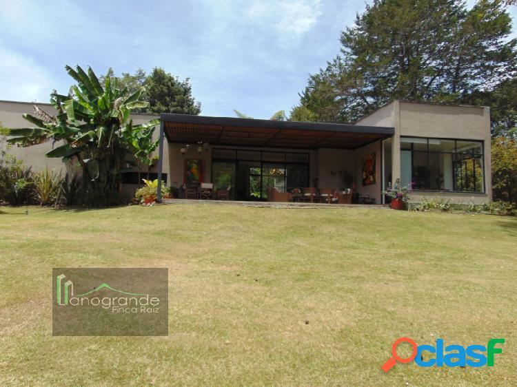 Casa en venta, Unidad Cerrada El Retiro - Fizebad.