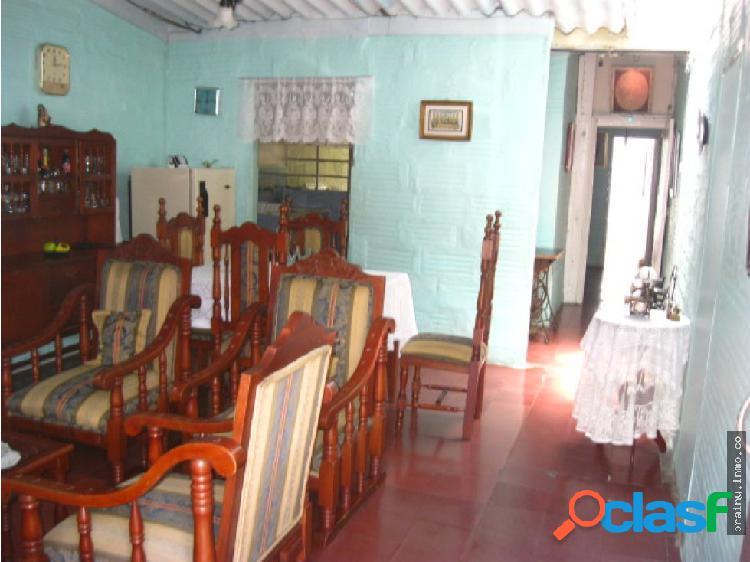 Casa en venta en Pilsen, Itagui.