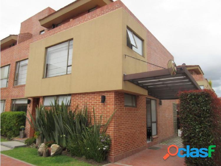 Casa para venta en Bogota conjunto cerrado