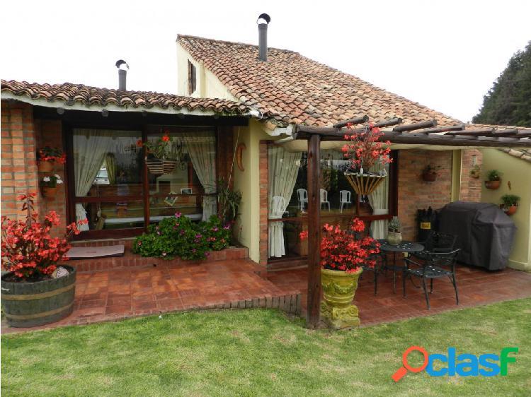 Casa para venta en Cota