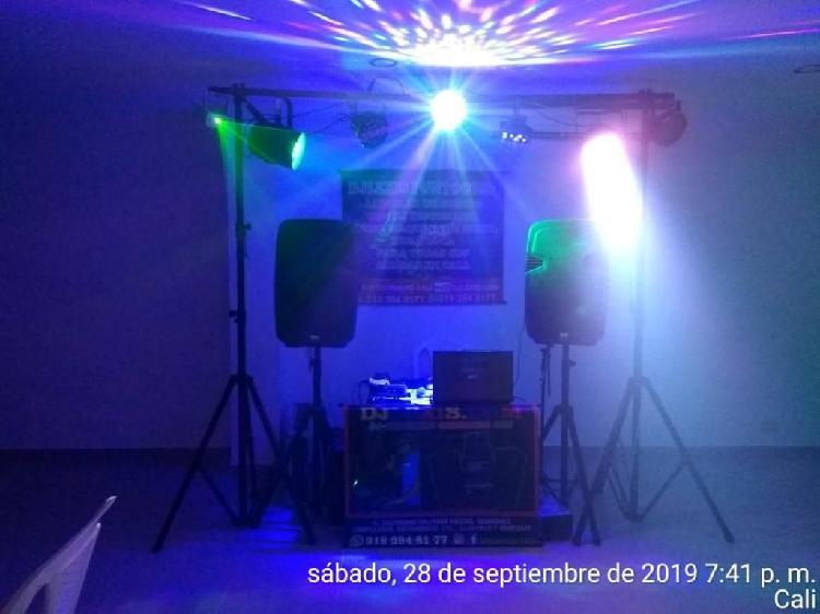 EN CALI PAQUETE DE SONIDO CON LUCES HUMO Y DJ DISCOMANO PARA