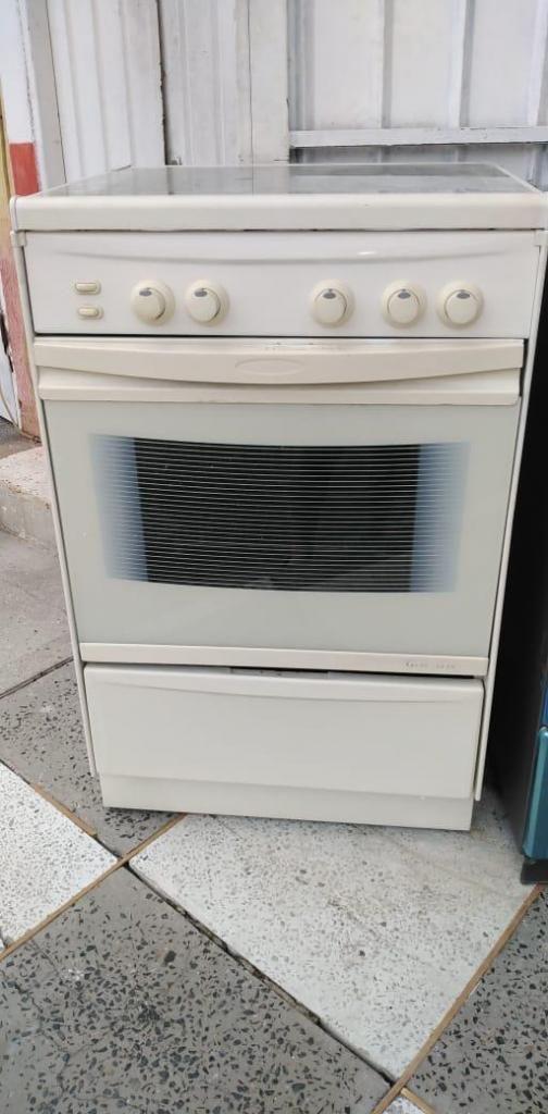 Estufa de 4 puestos con horno