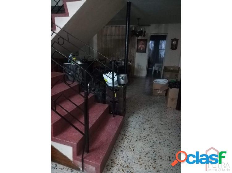 Venta de casa por el sector de calasanz, Medellin