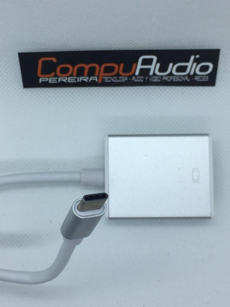 Convertidores de USB tipo C a HDMI o VGA