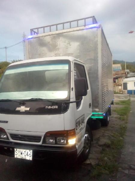 Vendo Nkr Lll O Permuto a Camioneta