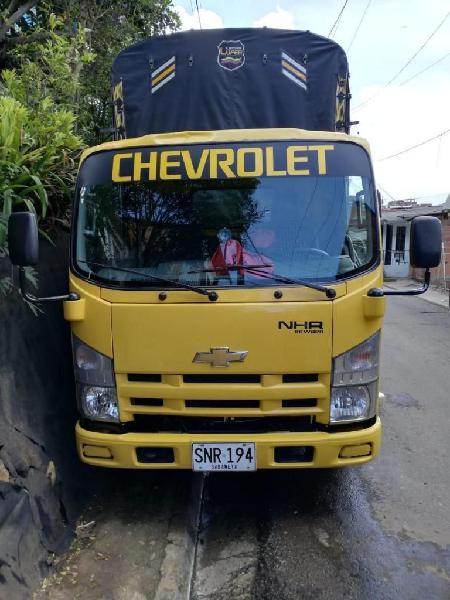 vendo camion chevrolet NHR estacas
